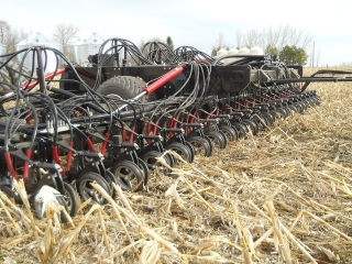 45ft_toolbar_in_maize_residue_21.jpg